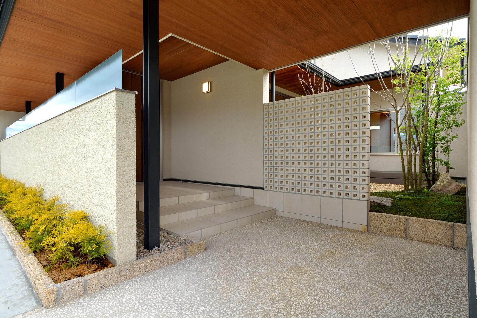 白山市北安田モデル「豊かさへと誘う、色彩と住設計」